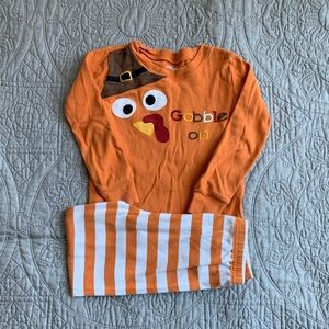 Gymboree Turkey pajama set size 4